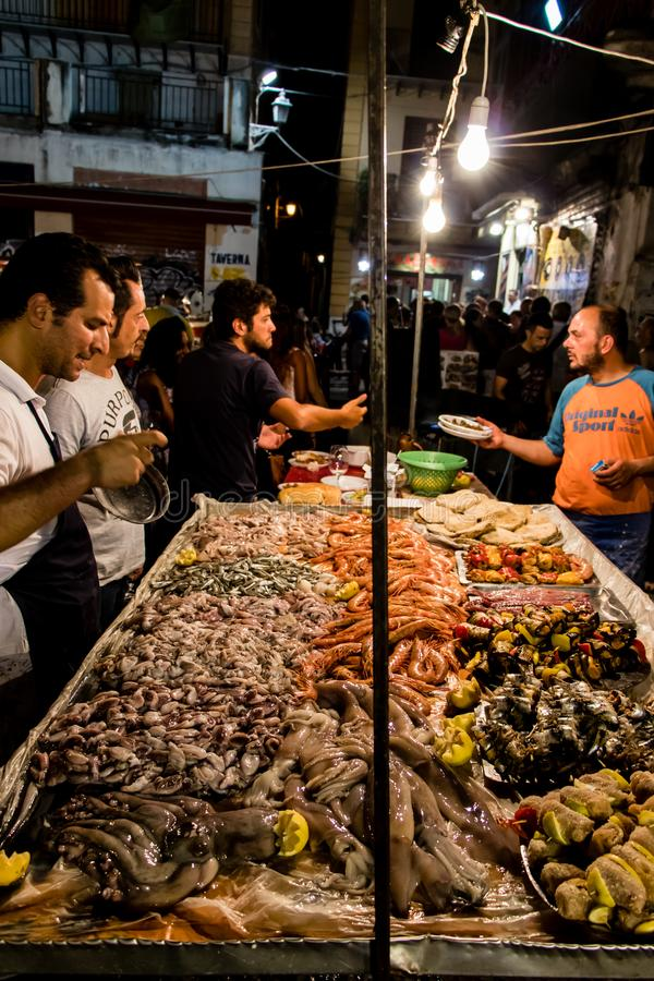 Il mercato locale di Vucciria a Palermo, Sicilia fotografie stock libere da diritti