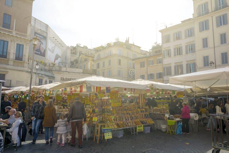 Il mercato storico dell'alimento di Campo de Fiori immagini stock