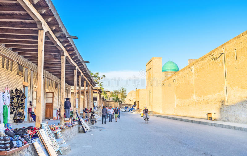 Download Il mercato turistico fotografia stock editoriale. Immagine di buchara - 56876113