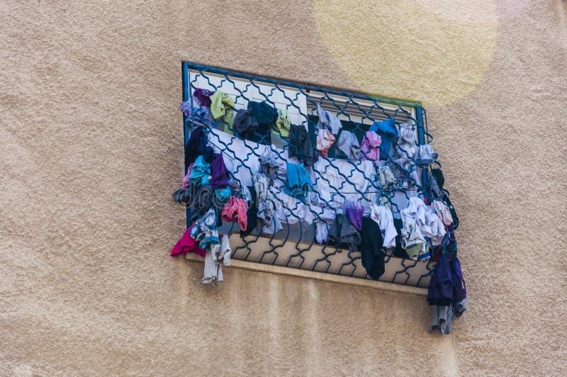 Il metodo di essiccamento copre sulle barre di finestra fotografia stock