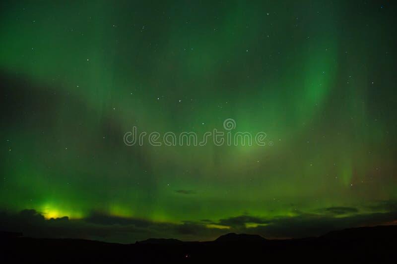 Il migliore posto vede l'aurora borealis Miracoli della natura Cielo di buio dell'aurora Fenomeni stupefacenti della natura Quand fotografia stock