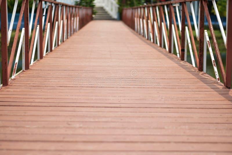 Il modello dei ponti fatti attraverso il canale fotografie stock libere da diritti
