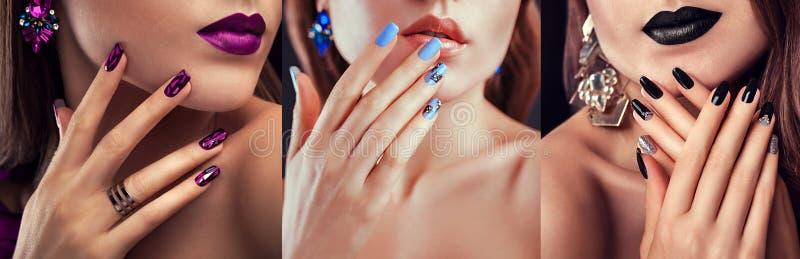 Il modello di moda di bellezza con trucco differente ed il chiodo progettano i gioielli d'uso Insieme del manicure Tre sguardi al fotografia stock
