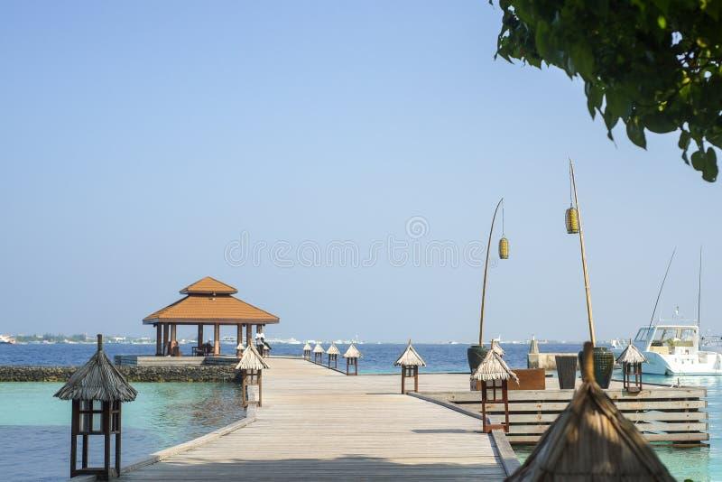 Il molo di partenza e di arrivo dell'isola di Kurumba immagini stock libere da diritti