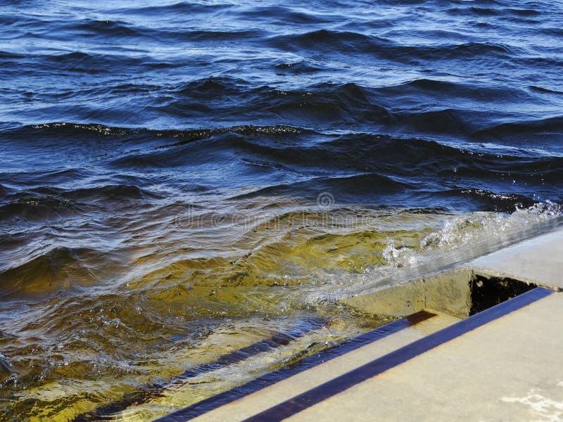 Il molo sommerso fotografia stock