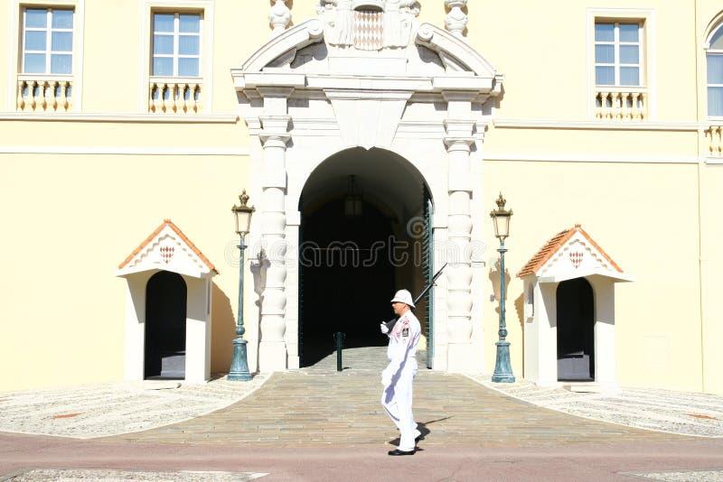 Il Monaco Royal Palace custodice fotografia stock