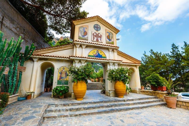 Il monastero Agios Georgios, situato nella gola di Selinari su Creta, la Grecia fotografie stock