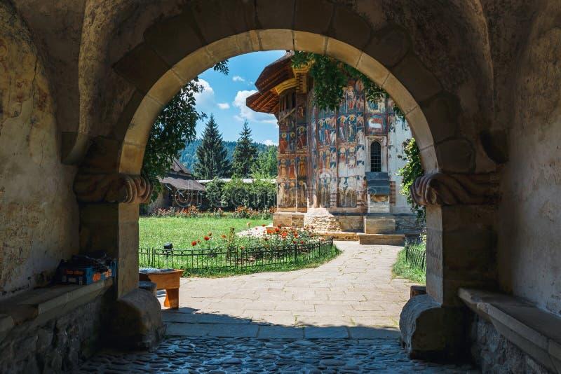 Il monastero di Sucevita è un monastero ortodosso rumeno situato nel comune di Sucevitai fotografie stock