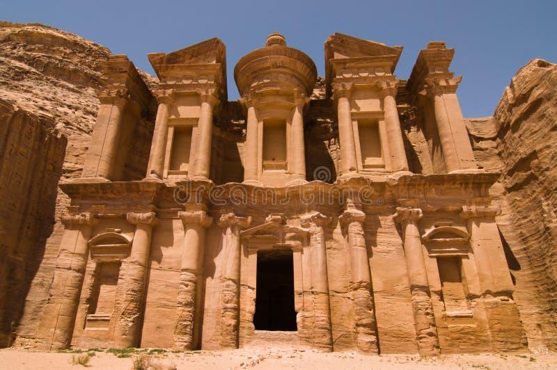 Il monastero a PETRA immagini stock