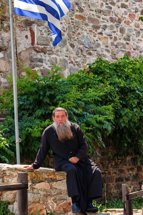 IL MONTE ATHOS, GRECIA - GIUGNO 2012: Sacerdote ortodosso immagine stock libera da diritti