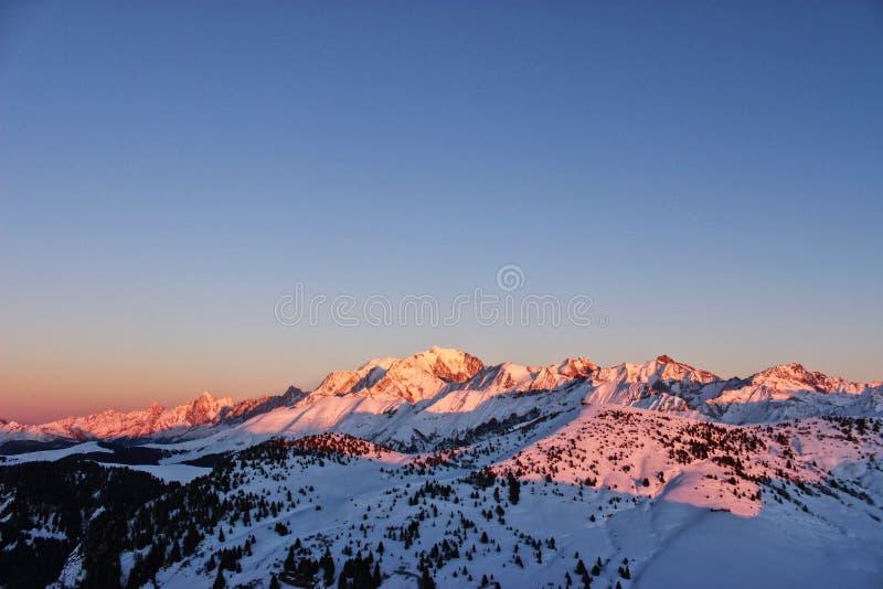 Il Monte Bianco, con i suoi amici immagine stock