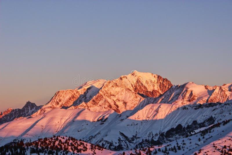 Il Monte Bianco, con il suo migliore fronte fotografia stock libera da diritti