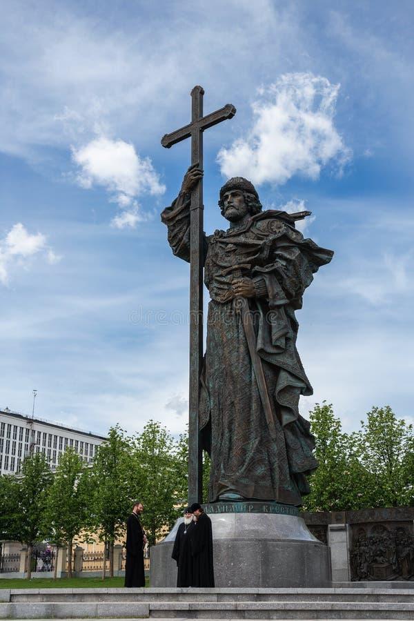 Il monumento al battista di principe Vladimir del san di Rus su Boro immagini stock