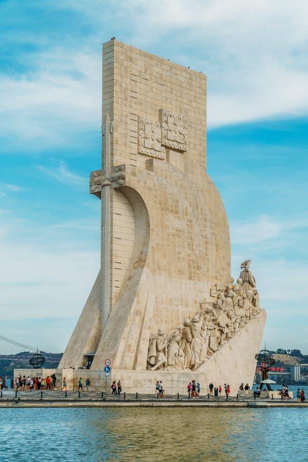 Il monumento al DOS Descobrimentos di Padrao di scoperte celebra l'età portoghese della scoperta ed è situato sul Tago immagine stock