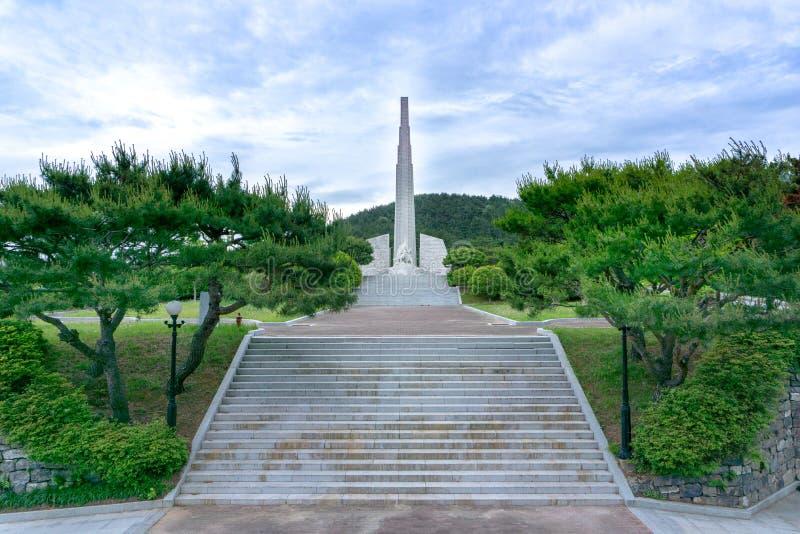 Il monumento di ammiraglio Yi Sun-Sin al grande parco commemoative vitory di Okpo fotografia stock