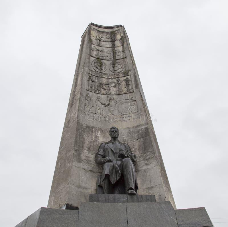 Il monumento nel quadrato della chiesa, vladimir, Federazione Russa fotografie stock libere da diritti