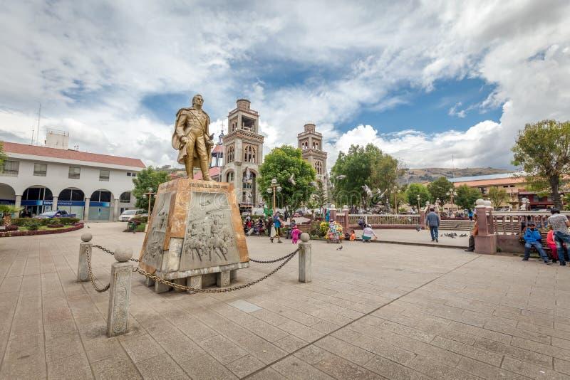 Il monumento vicino a Plaza De Armas, Perù, Sudamerica fotografie stock