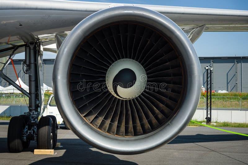 Il motore di turboventola degli aerei per simula della gravità zero di effetti - Airbus A310 ZERO-G immagine stock