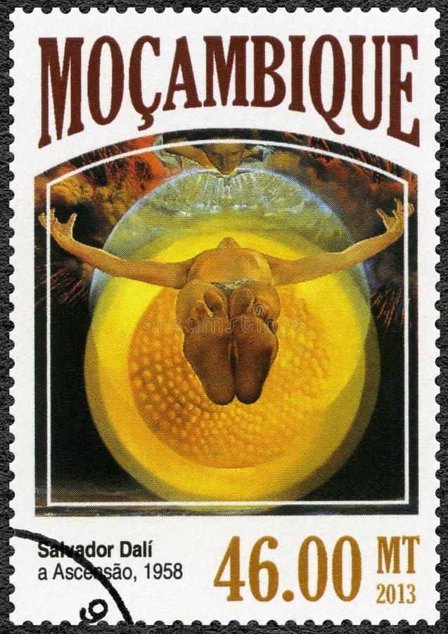 Il MOZAMBICO - 2013: mostra l'ascensione, 1958, da Salvador Dali 1904-1989 immagini stock