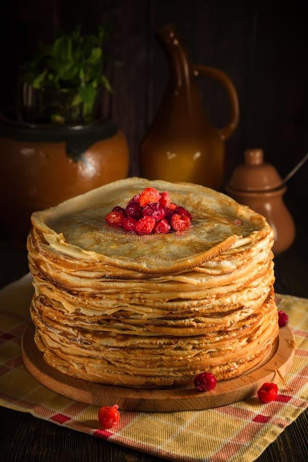 Il mucchio dei pancake di crêpe immagine stock libera da diritti
