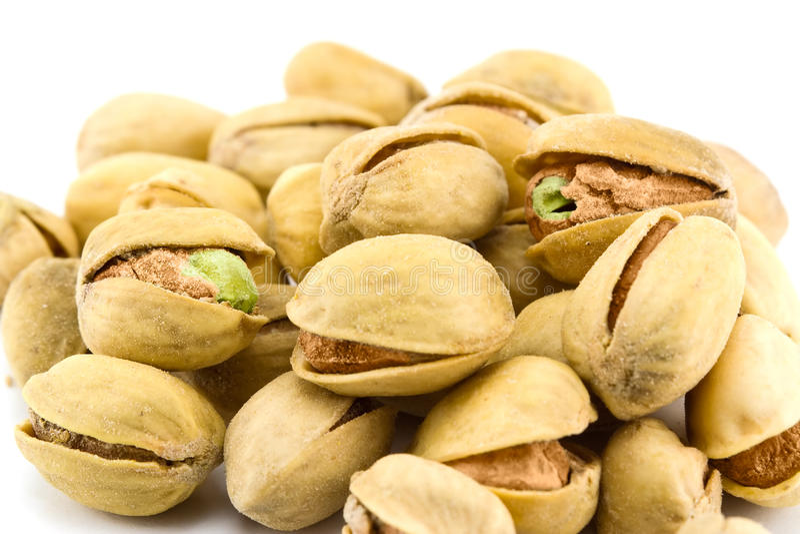 Il mucchio dei pistacchi ha isolato immagine stock libera da diritti