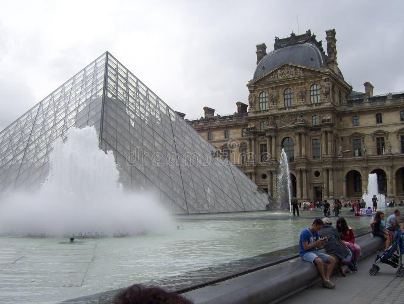 Il museo del Louvre è il museo più importante in Francia fotografie stock