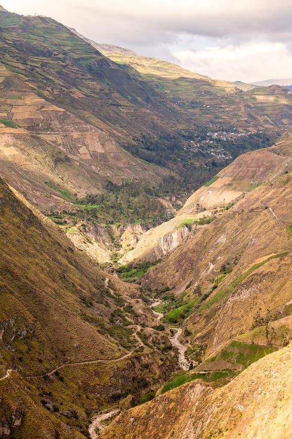Il naso del diavolo, itinerario di Nariz del Diablo, Ecuador immagine stock