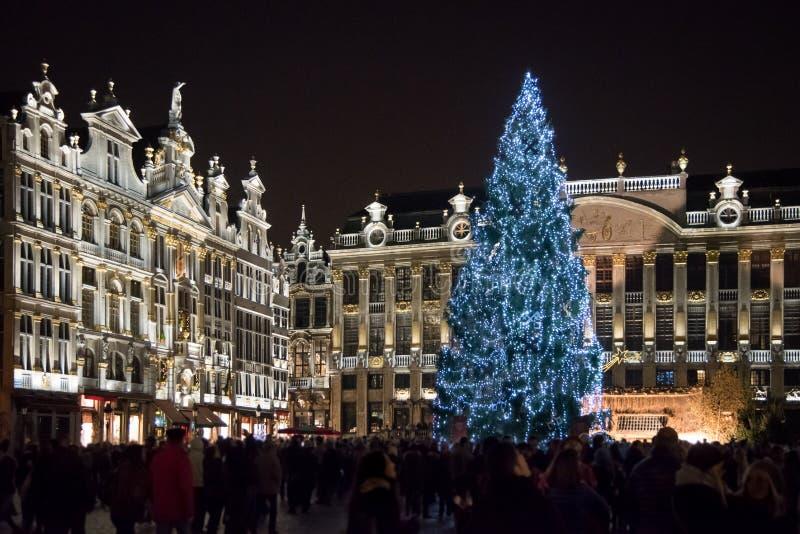 Il Natale commercializza a Grand Place, Bruxelles, Begium immagini stock