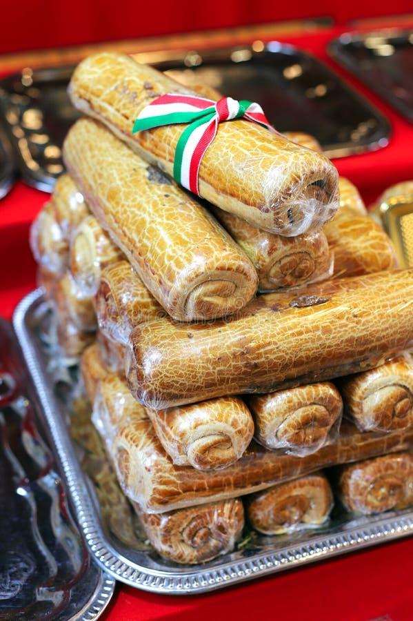 Il Natale o pasqua che i semi di papavero festivi agglutinano il nome è bejgli in Ungheria immagine stock libera da diritti