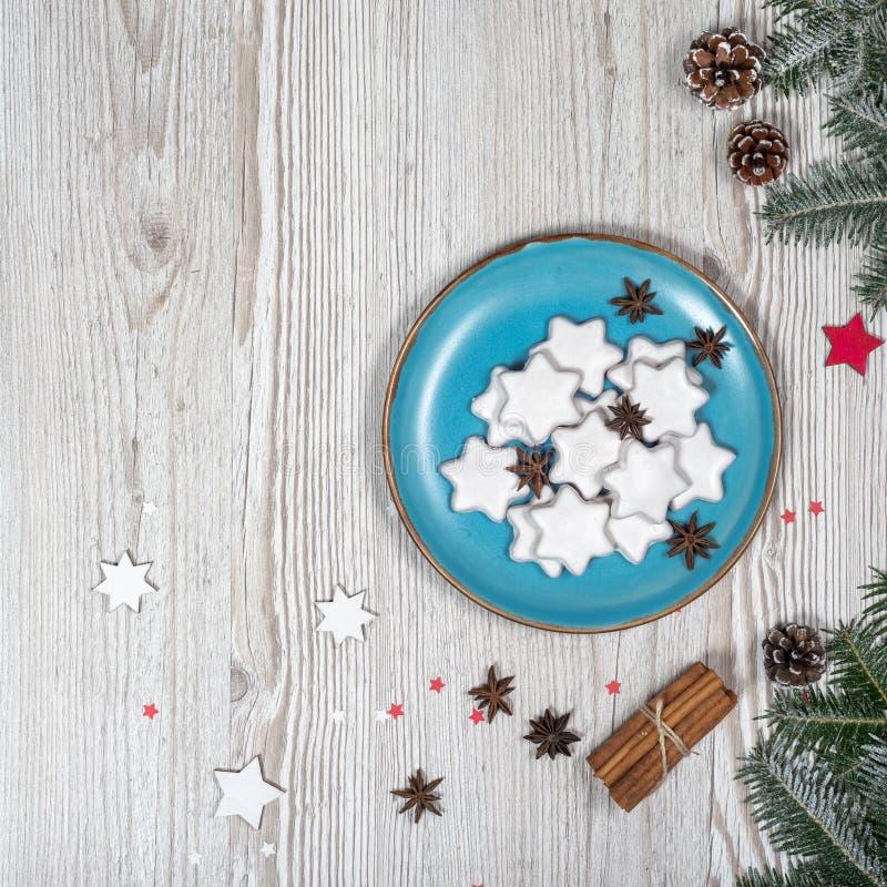 Il Natale placca con i dolci immagini stock