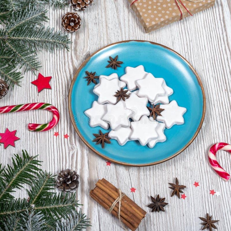 Il Natale placca con i dolci fotografia stock libera da diritti