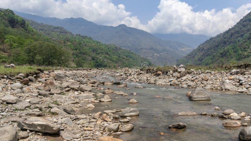 Il Nepal, Annapurna Mardi Himal Trek Fiume fotografia stock libera da diritti
