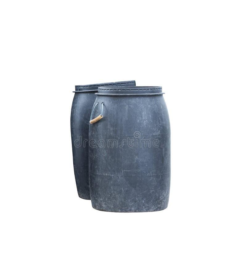 Il nero di plastica dell'immondizia sporco del recipiente isolato sul percorso bianco di ritaglio e del fondo fotografia stock