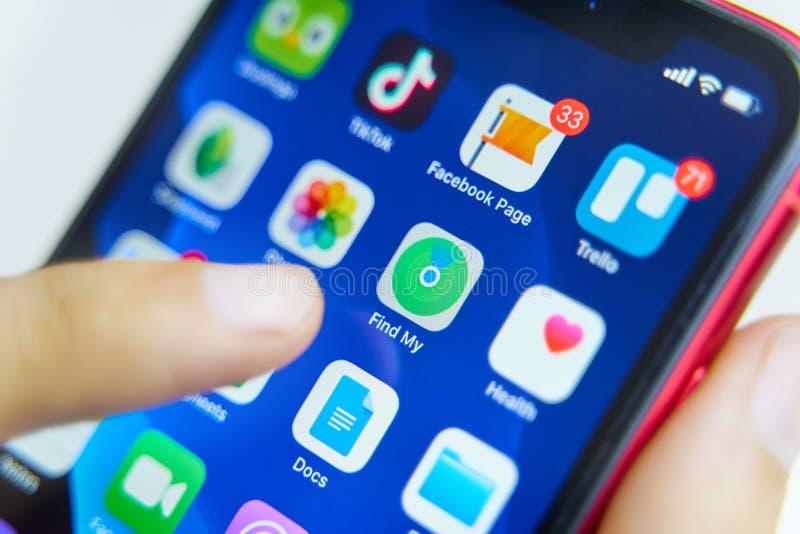 """Il nuovo app """"trova mio """"sul iphone fotografia stock"""