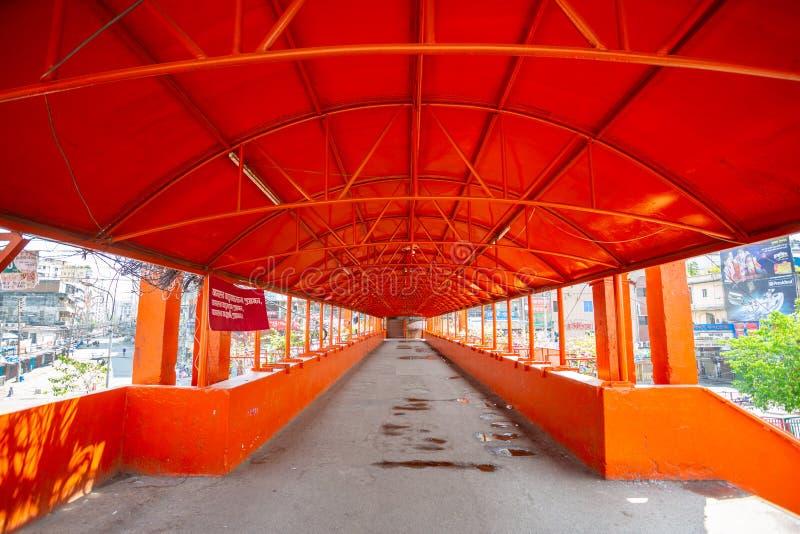 Il nuovo e sovraffollato ponte piede di mercato sul Newmarket Plot Over è ora vuoto a Dhaka, Bangladesh immagini stock libere da diritti