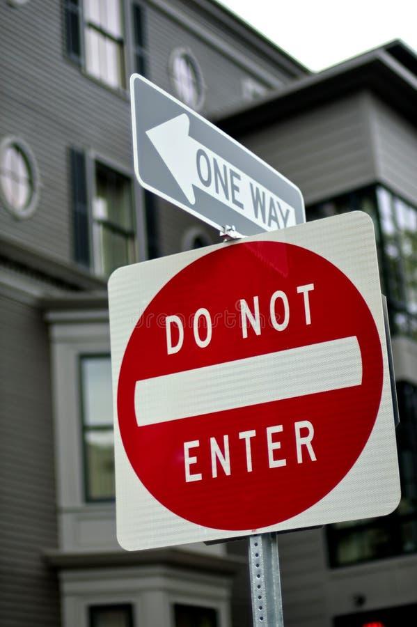Il one-way e non entra fotografia stock libera da diritti