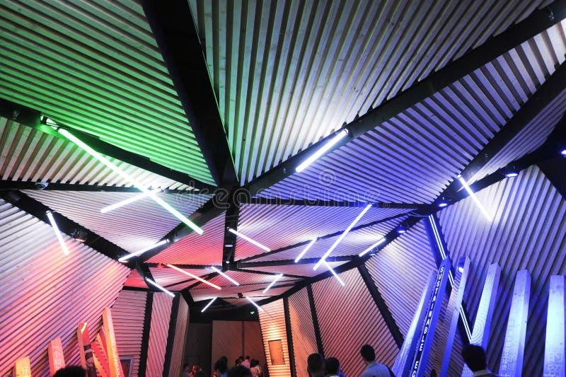 Il padiglione 2010 della gente di città di Shanghai dell'Expo di lampada-cinese del corridoio fotografie stock libere da diritti