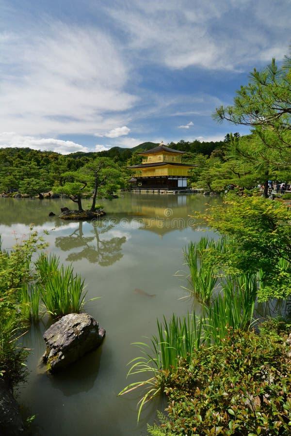 Il padiglione dorato Tempio buddista di zen di Kinkaku-ji kyoto japan fotografie stock