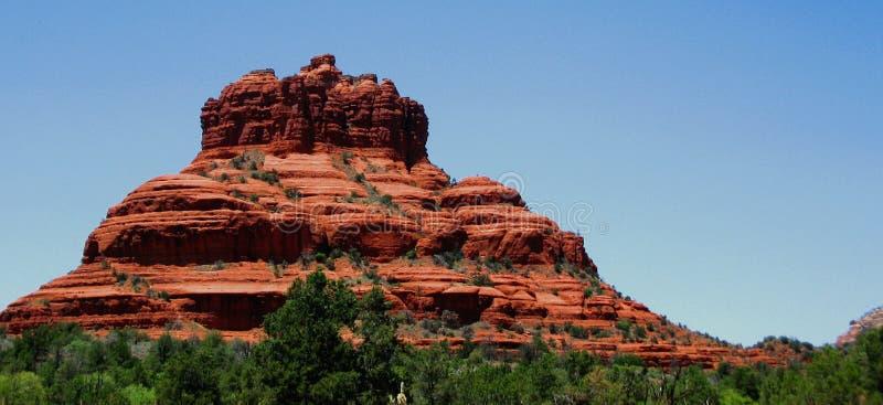 Il paesaggio di formazione rocciosa rossa ha nominato Bell l'Rock in Sedona, Arizona immagine stock libera da diritti