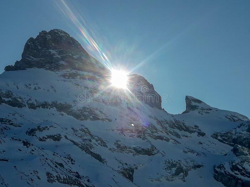 Il paesaggio invernale di Engelberg in Svizzera fotografia stock