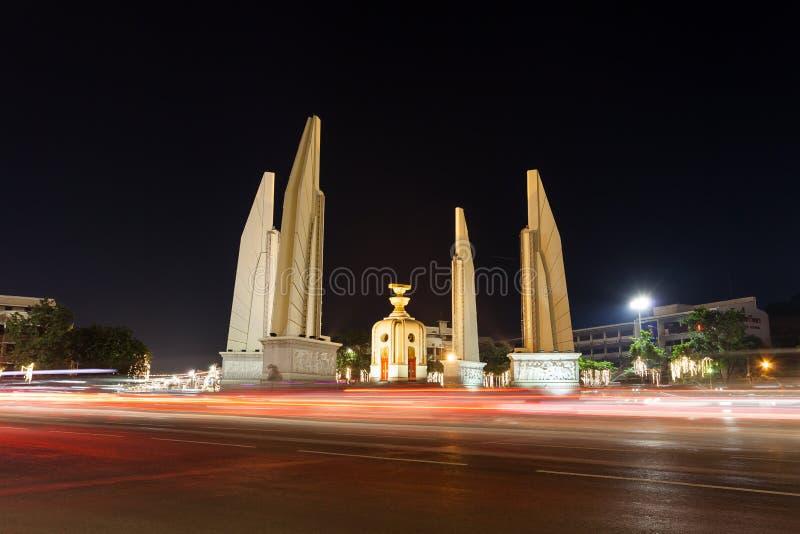 Il paesaggio nella notte del monumento di democrazia immagine stock libera da diritti
