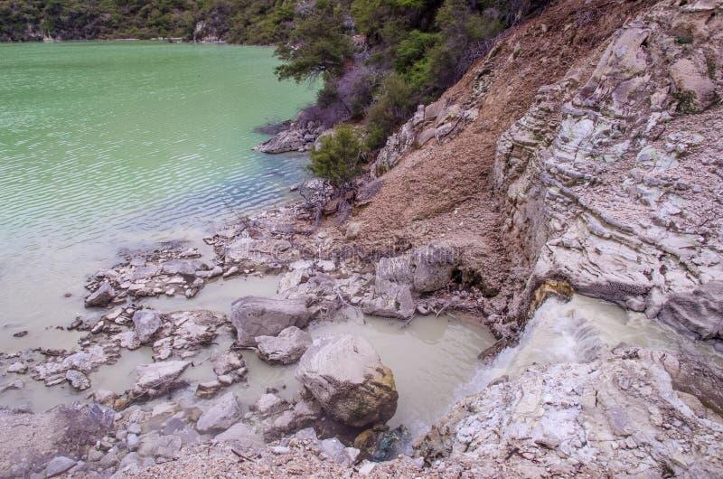 Il paese delle meraviglie del termale di Wai-O-Tapu immagini stock libere da diritti