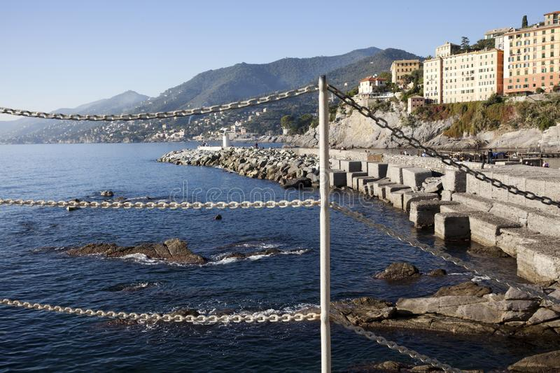 Il paesino di pescatori di Camogli, golfo di Paradise, parco nazionale di Portofino, Genova, Liguria, Italia immagine stock libera da diritti