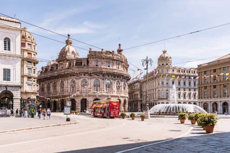 Il palazzo di nuova borsa valori sulla piazza Raffaele de Ferrari a Genova, regione Liguria, Italia fotografie stock
