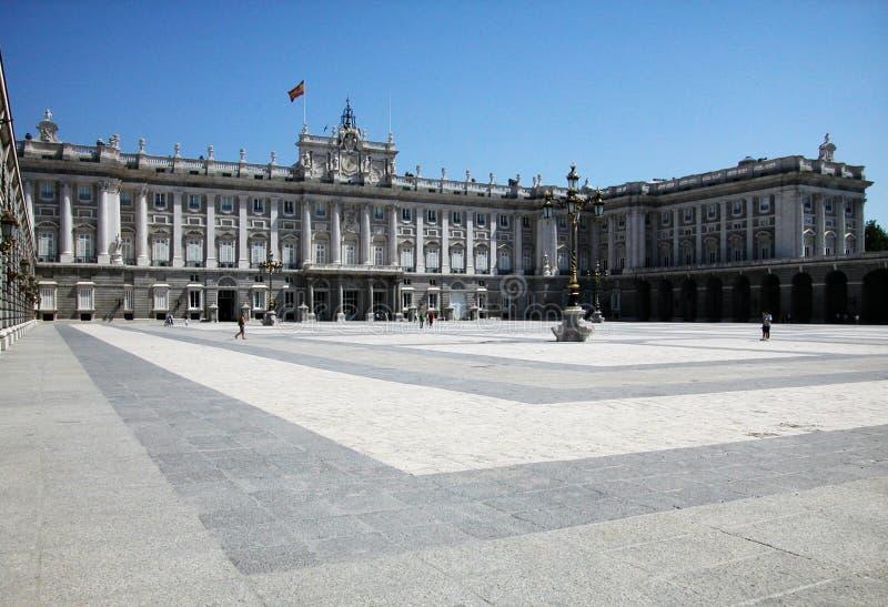 Il palazzo reale a Madrid fotografie stock libere da diritti