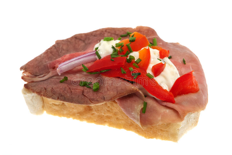 Il panino guarnisce con il manzo di arrosto immagini stock