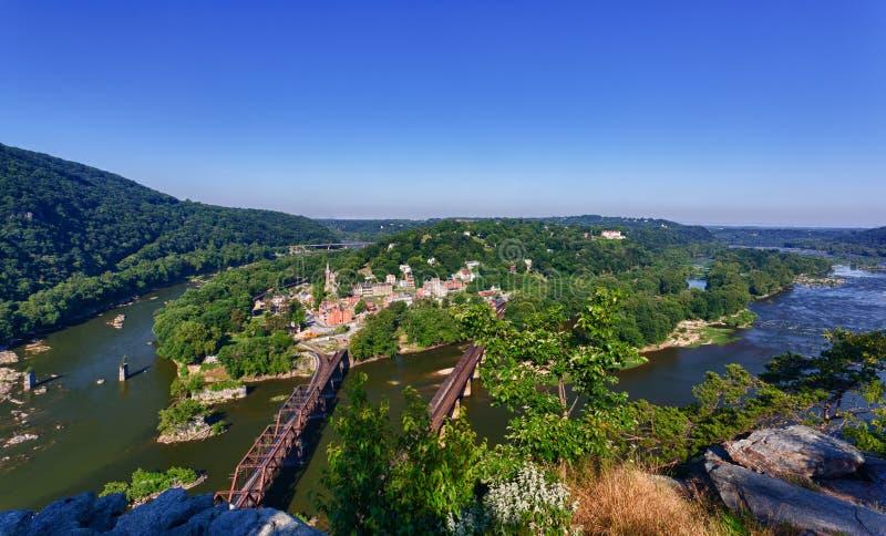 Il panorama sopra i Harpers Ferry dalle altezze del Maryland fotografia stock