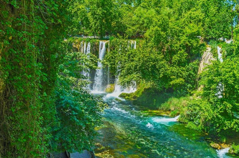 Il paradiso verde della cascata superiore di Duden, Adalia, Turchia immagini stock
