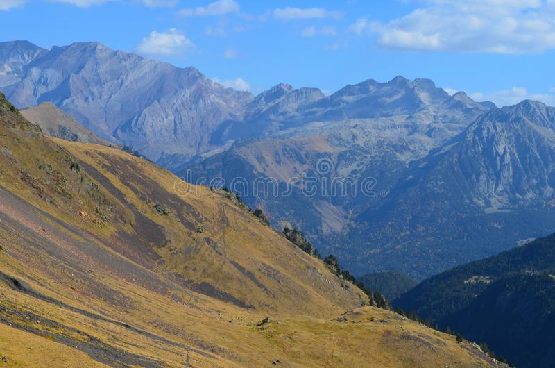 Il parco naturale di Posets-Maladeta nel massiccio di Posets, ³ n, Spagnolo Pirenei di Aragà fotografie stock