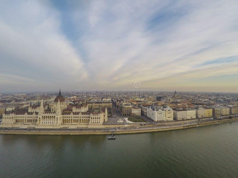 Il Parlamento a Budapest immagini stock